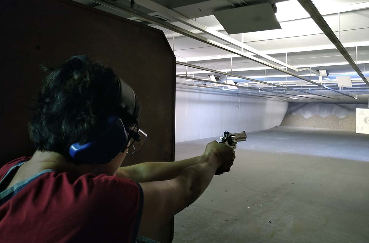 Vladimíra Ludková střelba střelnice zbraně zbrojní průkazy legislativa
